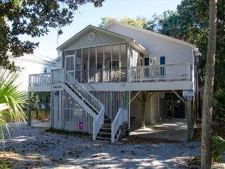 Harmony Shores - 4BR/2.5BA, Beach Walk, Screened Porch - Edisto Island vacation rentals