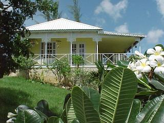 Gorgeous 2 bedroom House in Holetown with Deck - Holetown vacation rentals