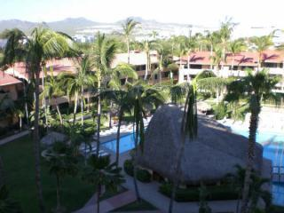 Big pool and great view from patio - Beautiful Condo in Cabo San Lucas at Medano Beach - Cabo San Lucas - rentals