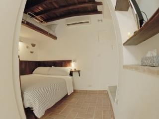CR365d - Colosseo, Via Urbana - Sacrofano vacation rentals