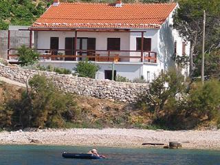 House from the sea - 2+2 Apartment.Stiniva - Hvar - rentals