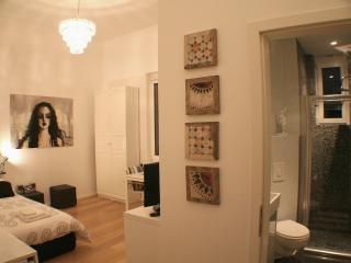 Artflat 27 Berlin Apartment in Mitte - Berlin vacation rentals