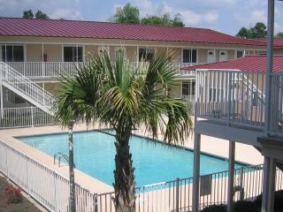 Affordable Ocean View 2b/1 1/2b *Beach*Casino*Keesler - Biloxi vacation rentals