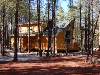 Raccoon Ranch Cabin in Grand Canyon/Flagstaff area - Grand Canyon National Park vacation rentals