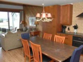 Lodge Condo 026 - Sisters vacation rentals