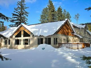 Luxury Vacation Home near the Lake!  5BR|Slps 16|Hot Tub|WiFi|Free NIGHTS!! - Roslyn vacation rentals