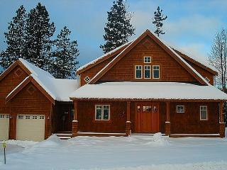Custom Builders Cabin!  Hot Tub | WiFi | Pet Friendly | *Specials* - Roslyn vacation rentals