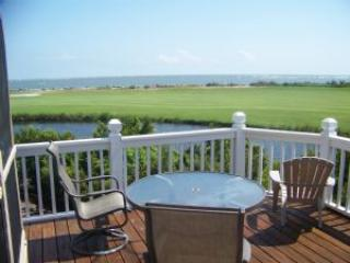 Land's End-  Receive- 25% off October 18-November 1 week stay 15% off 2-5 nights - Image 1 - Fripp Island - rentals