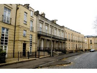 4*  Hopetoun Apartment - Edinburgh & Lothians vacation rentals