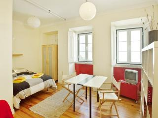 Apartment in Lisbon 10 - Baixa - managed by travelingtolisbon - Moscavide vacation rentals