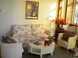 Apartment in Lisbon 54 - Castelo - managed by travelingtolisbon - Costa de Lisboa vacation rentals