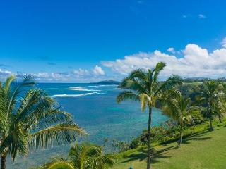 Sealodge E10: Top floor, oceanfront views all the way to the lighthouse - Princeville vacation rentals