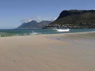 Silvermine Apartment for 4 just 500m to best beach - Clovelly vacation rentals
