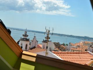 Apartment in Lisbon 99 - Alfama - managed by travelingtolisbon - Sesimbra vacation rentals