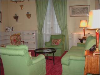 3 BEDROOM  Paris 75007 Place de la Concorde (1191) - Paris vacation rentals