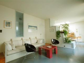 Latin Quarter 2 Bedroom (2790) - 3rd Arrondissement Temple vacation rentals