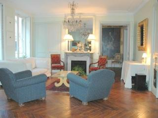 Marais 2 bedroom 2 bathroom (2587) - 1st Arrondissement Louvre vacation rentals