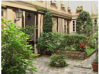 St. Germain-des-Pres 1 Bedroom 6th district (952) - Paris vacation rentals