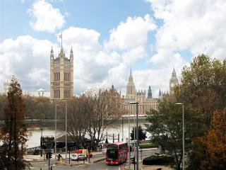 Westminster Views - 3 bedroom 2 bath Air Conditioning (2049) - London vacation rentals