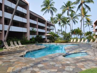 White Sands Village Across from Beach, free WiFi - Kailua-Kona vacation rentals