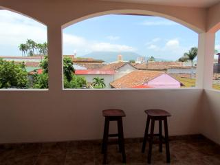 Nice 3 bedroom Granada House with Internet Access - Granada vacation rentals