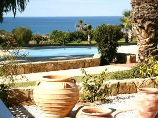 Garden View - Self Catering Seaview Apartment in Paphos, Cyprus - Paphos - rentals