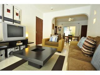 "Livingroom area PK10 (2) - Poolside 2 Bed 2 Bath with Private Jacuzzi ""PK10"" - Playa del Carmen - rentals"