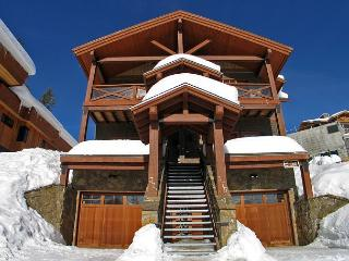 Rockridge 375 Whitehorse Lane Centrally Located in Big White Sleeps 14 - Big White vacation rentals
