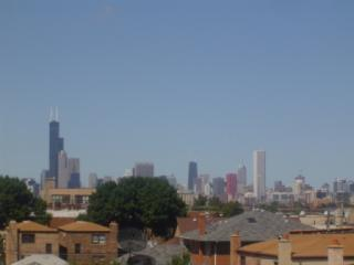 The amazing Chicago Skyline view from our deck - All Attractions and McCormick Place.  Safe, Quiet. - Chicago - rentals