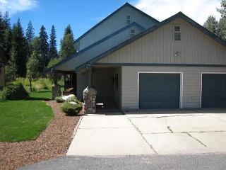 Andersons on the Green- Spacious Home on Golf Course with private hot tub. - Southwestern Idaho vacation rentals