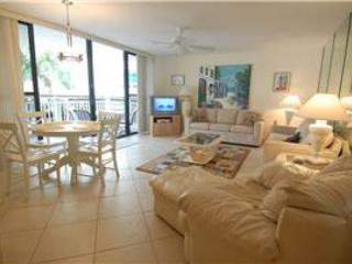 Gulf side 2BR, bright and open #202GS - Sarasota vacation rentals