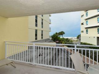 2 bedroom Condo with Television in Sarasota - Sarasota vacation rentals