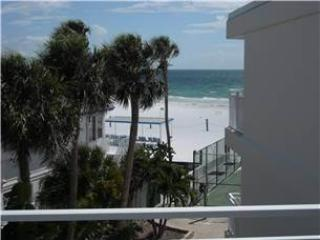 Gorgeous 2BR with Gulf view, balcony, TV/DVD #313GV - Sarasota vacation rentals