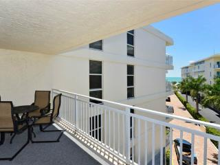 "Excellent Gulf Side 2BR with new 37"" HDTV #402GS - Sarasota vacation rentals"