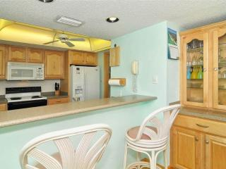 2BR Gulf Side feels like home, TV/DVD #405GS - Sarasota vacation rentals