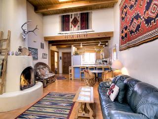 Cozy House in Santa Fe with A/C, sleeps 4 - Santa Fe vacation rentals