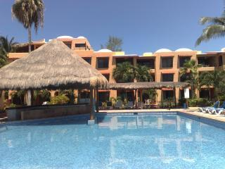 Pool and Building - Beachfront Poolside Condo at Nautibeach! - Isla Mujeres - rentals