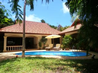 """PARADISE ISLAND"" Romantic Coconut Paradise Villa! - Rawai vacation rentals"