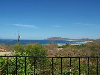 Great vacation condo oceanviews, a/c, shared pool, cable, private balcony - Tamarindo vacation rentals