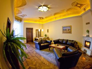Apt Sara, same distance 5 min to main attractions - Krakow vacation rentals