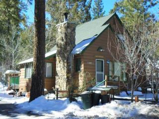 Charming 2 bedroom House in Big Bear City - Big Bear City vacation rentals
