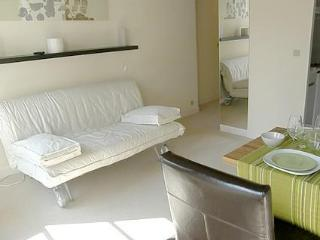 Perfect for 2, ideal for a romantic stay Latin Qua - Paris vacation rentals
