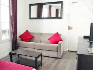 Cute Cheap Studio in the Latin Quarter of Paris - 17th Arrondissement Batignolles-Monceau vacation rentals