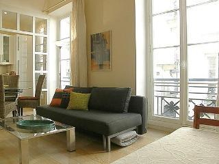 parisbeapartofit - Marais Croix Bretonnerie (43) - Paris vacation rentals