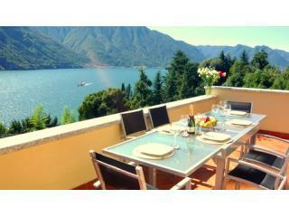 Dine alfresco to mesmering lake views! - Residency Tremezzo (Undici) - Lake Como - rentals