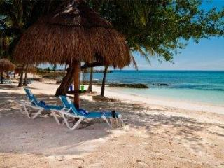 Ocean and beach views Casa Linda Vista - - Puerto Aventuras vacation rentals