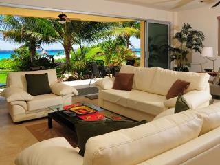 Casa Las Olas- Punta Roca 107- Puerto Aventuras - Puerto Aventuras vacation rentals