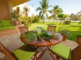 Casa Alegria VDM E102  Great Location! ground floo - Puerto Aventuras vacation rentals