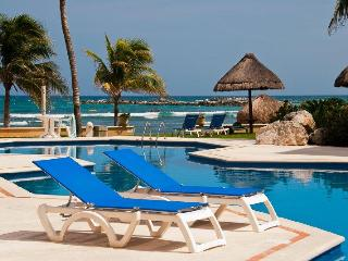 Villas del Mar II 405 Penthouse Villa Yaxche - Puerto Aventuras vacation rentals