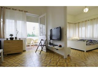 amazing apartment - 5 min walking from beach - Tel Aviv vacation rentals